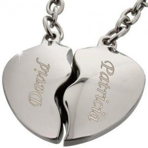 Schlüsselanhänger Herz mit Gravur im Detail