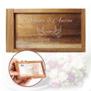 Magische Geldgeschenkbox mit Liebestauben Gravur
