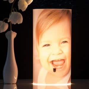 Lampe mit Foto und Text