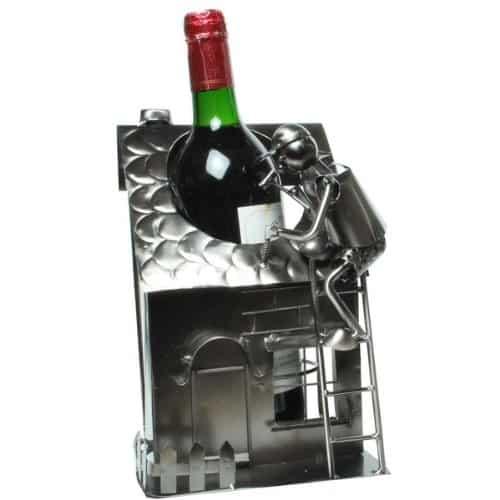 haus mit handwerker als flaschenhalter geschenk zum richtfest. Black Bedroom Furniture Sets. Home Design Ideas