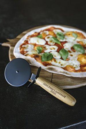 Pizzaschneider und Servierbrett für Männer