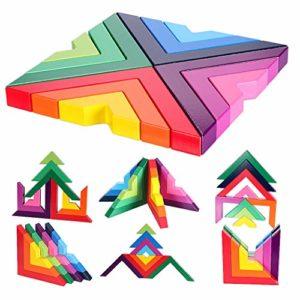 Holzbausteine in Regenbogenfarben