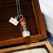 Halskette mit Flaschenanhänger