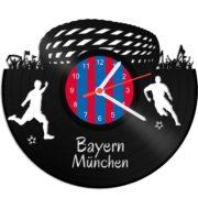 Schallplattenuhr für Münchner Fußballfans