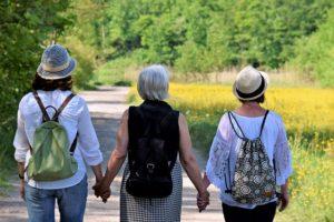 3 Frauen haben eine Wanderfreundschaft