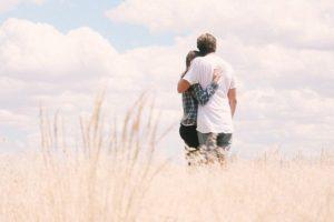 Kornfeld Paar Liebe gefunden